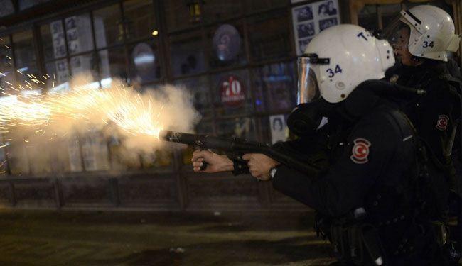الشرطة التركية تقمع تظاهرات تطالب باستقالة اردوغان