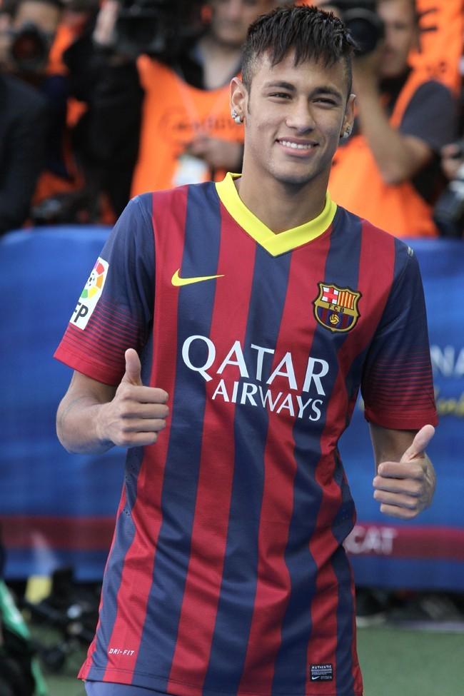 Neymar-Barcelone-3-juin-2013_portrait_w674