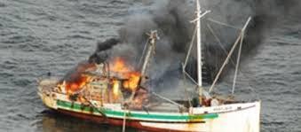 bateau allumé