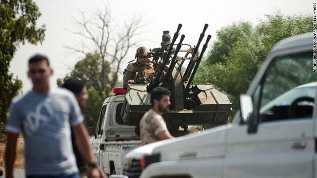 ليبيا-مطار-طرابلس-مسلحون