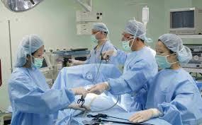 فريق طبي