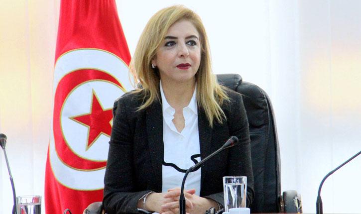 Photo of وزيرة الصّحة سنية بالشّيخ تقدّم في ندوة صحفيّة أبرز انجازات الوزارة [فيديو]